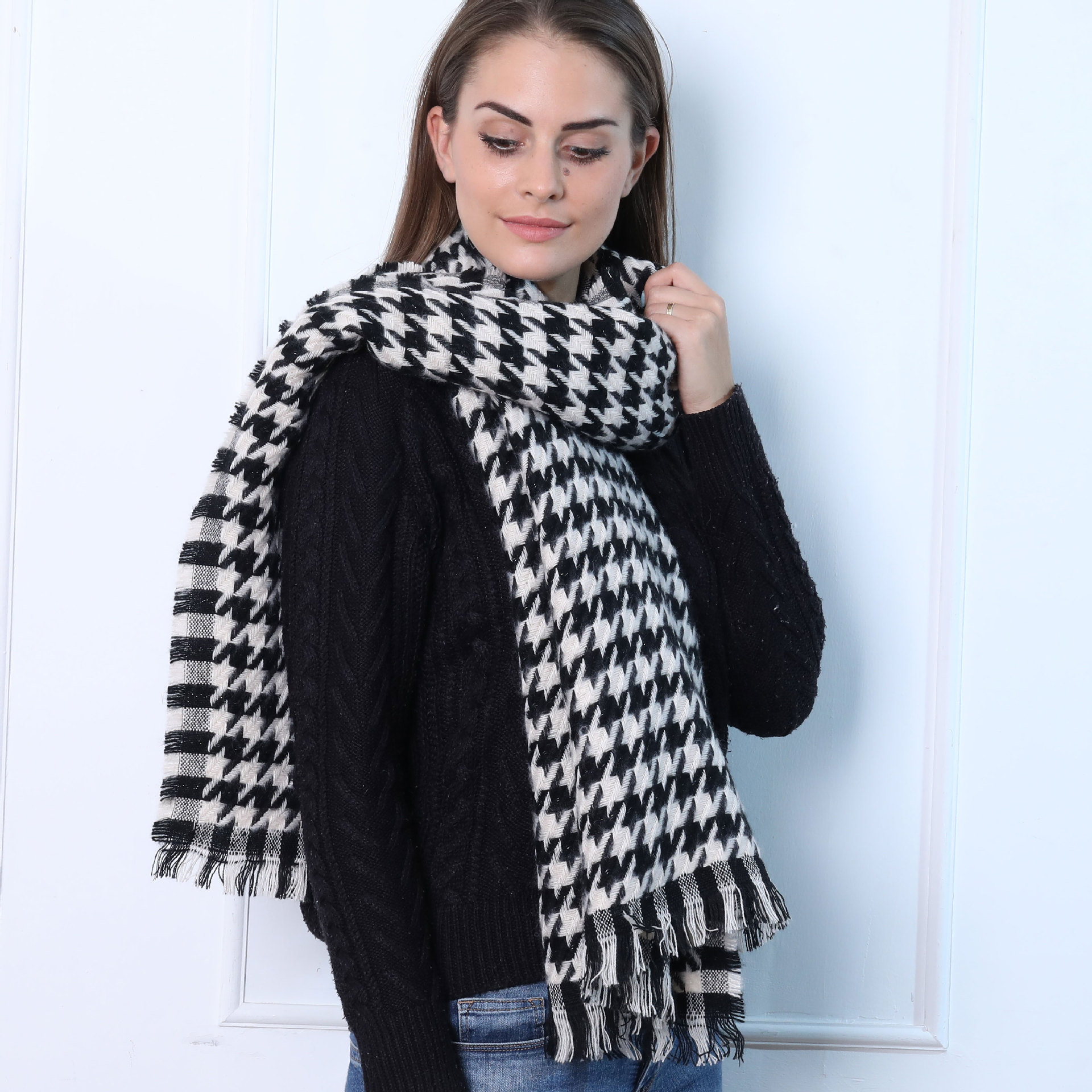 Manufacturers Direct Selling 2019 New Style Autumn & Winter Black And White Thousands Of Birds Power Celebrity Style Scarf Shawl