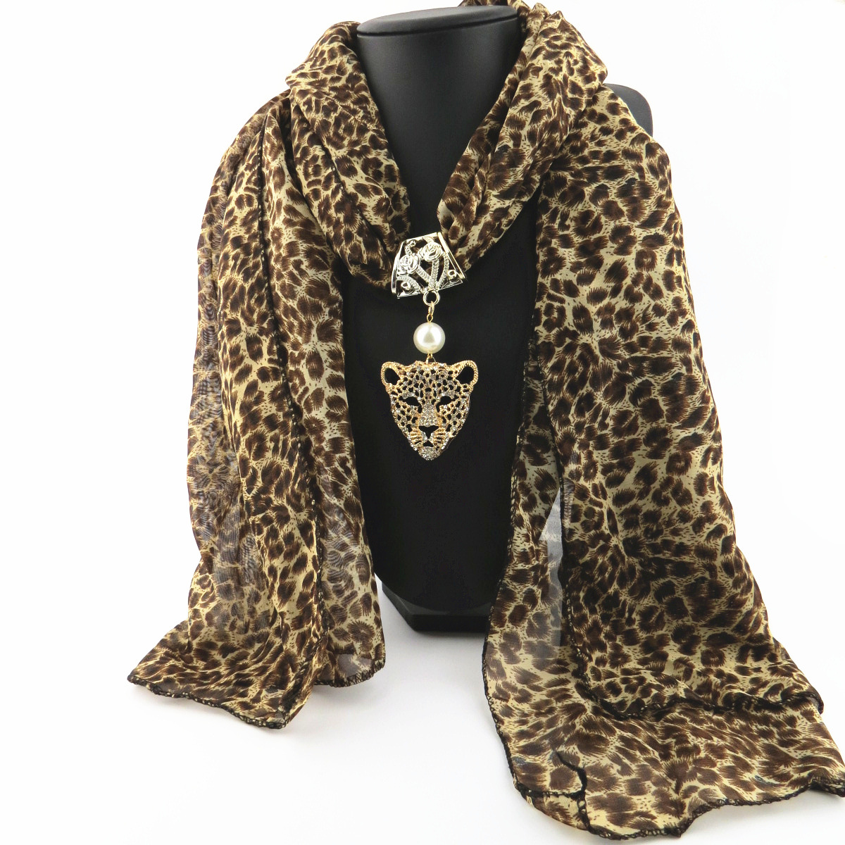 new Leopard head with diamond pattern alloy pendant jewelry scarf noble and elegant