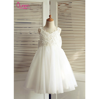 Ball Gown Communion Dress 2019 Appliques Lace Tulle Princess Dress with Big Bow Sleeveless Backless Dress for Wedding Party