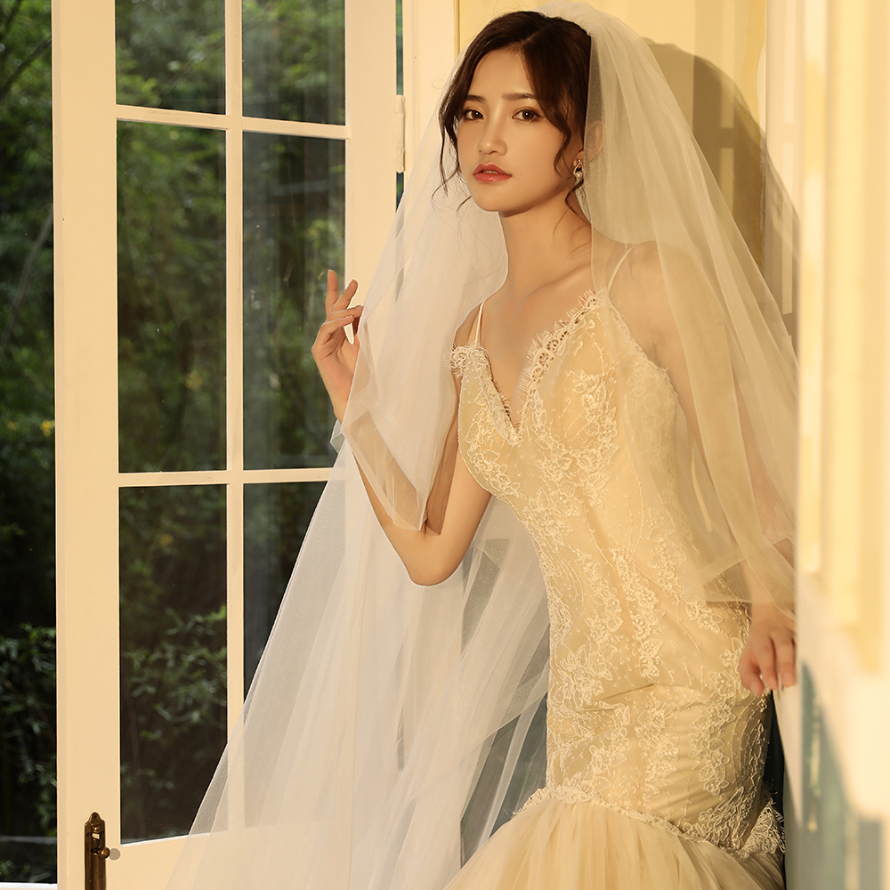 2019 Real Photos High Quality 2 Tiers Blusher Cover Face Cathedral Shining Sequined Lace Wedding Veil With Comb New Bridal Veil