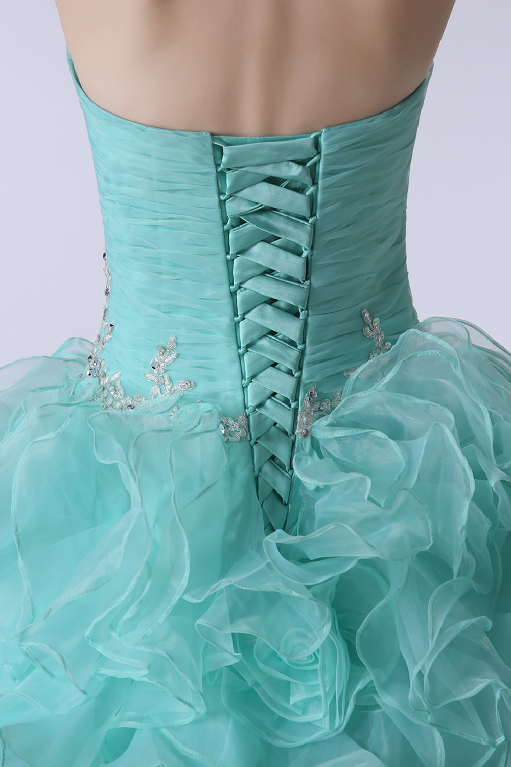 High Quality Light Blue Ball Gown Quinceanera Dresses 2019 Beaded Crystals Ruffles Sweet 16 Dresses For 15 Years Party Gown