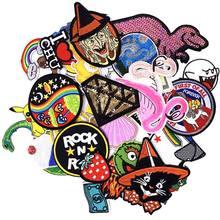 50 pçs costurar-em remendos misturados remendo lote moda crânio dos desenhos animados bordado aleatório para roupas festival de natal emblema adesivos