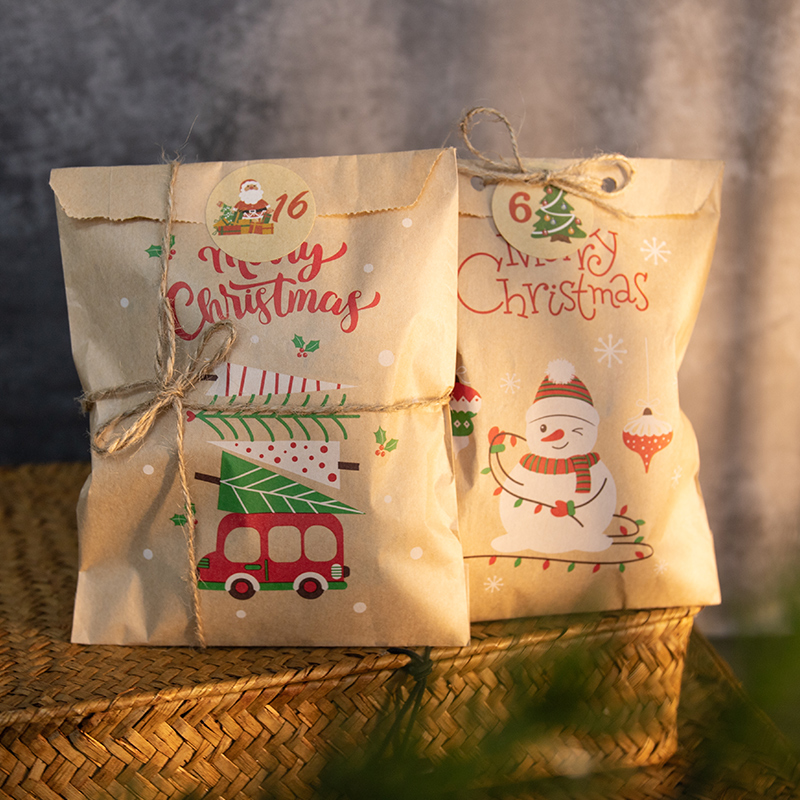 24sets iCraft Christmas Kraft Paper Gift Bags Party Favor Treat Packing Set Cookies Pouch with Xmas Stickers Red Fox Snowman
