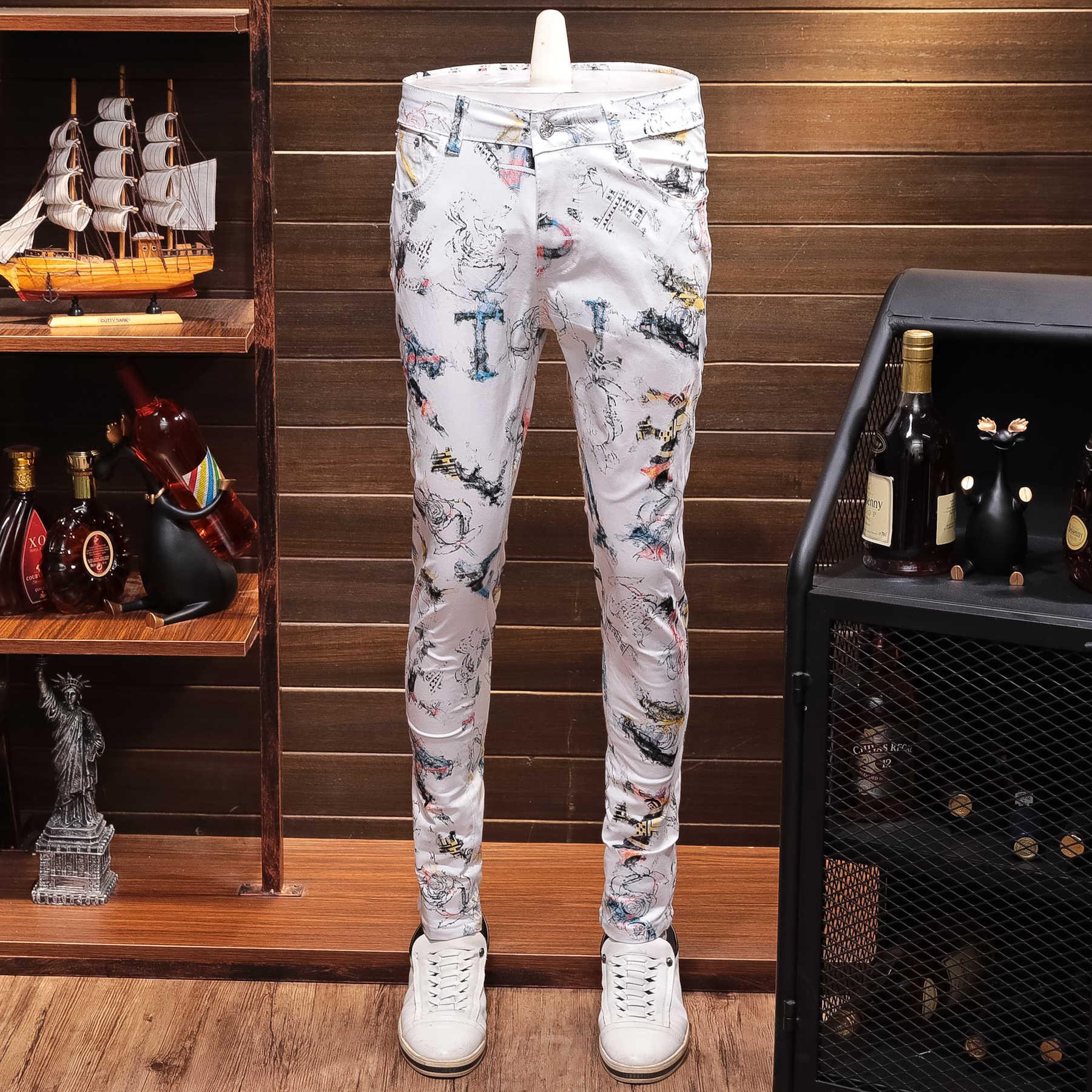 White Printing Man Jeans Leisure Time Long Pants Tide Jeans Men Slim Straight Stretch Jeans Designer Pants Nightclubs Singers