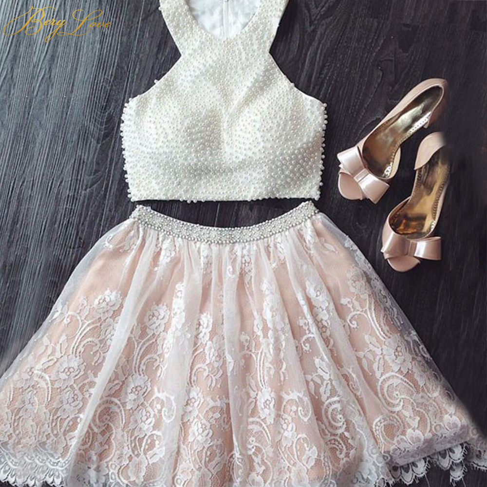 BeryLove Champagne Short Homecoming Dresses 2019 Two Pieces Halter A Line Lace Vestido Curto Pearls Cocktail Gown Open Back