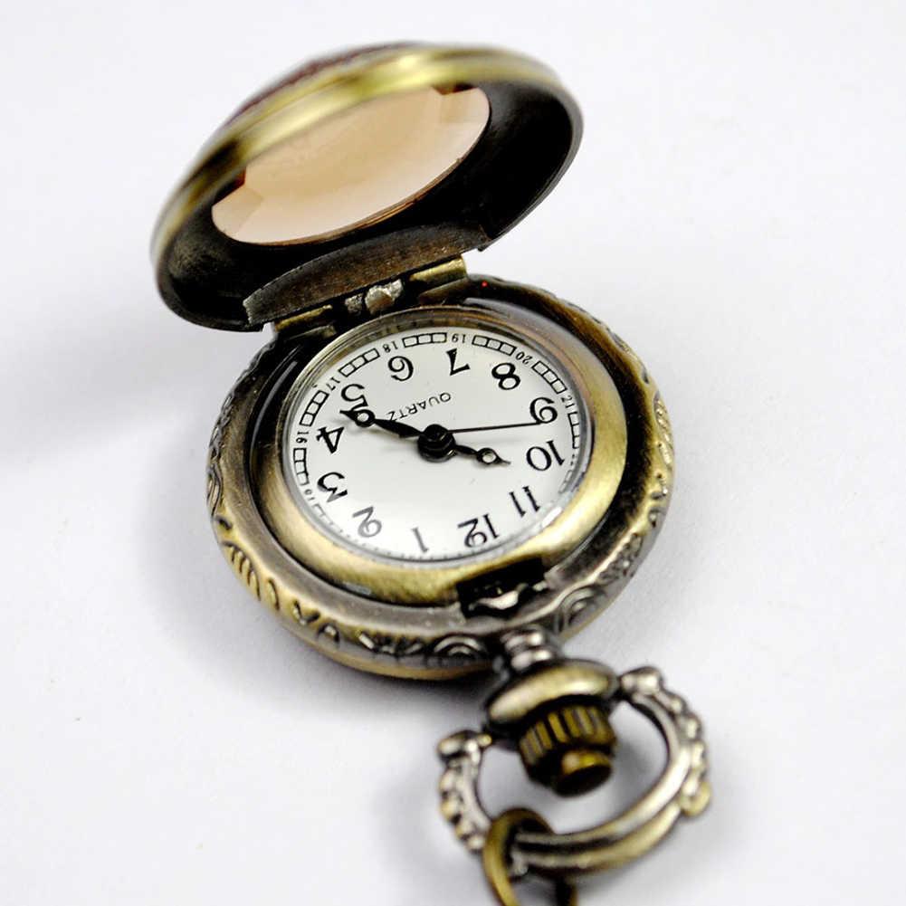 Vintage gravé arabe numéro montre à Quartz avec chaîne cadeau d'anniversaire montre collier pendentif horloge chaîne pour hommes et femmes