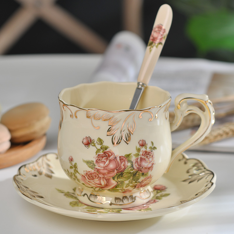 Hot Sale Creative Ceramic Coffee Cup and Saucer Hand Painted Rose Porcelain Tea Cup and Spoon Classic Drink Gift