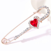 Fashion Pearls Rhinestones Crystal Wedding Brooch Pin vintage Animal Flower Pin Sweater Brooch Jewelry Gifts Accessorise