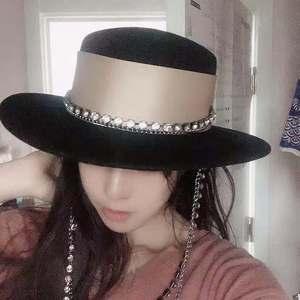 Image 5 - Chapeau de célébrités pour femmes, bonnet fedoras à chaîne métallique, pour dîner formel, panama