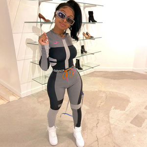 Image 1 - Vêtements de sport Slim, ensemble deux pièces pour femmes Fitness, manches longues, haut court, imprimé lettres, Leggings Slim élastiques