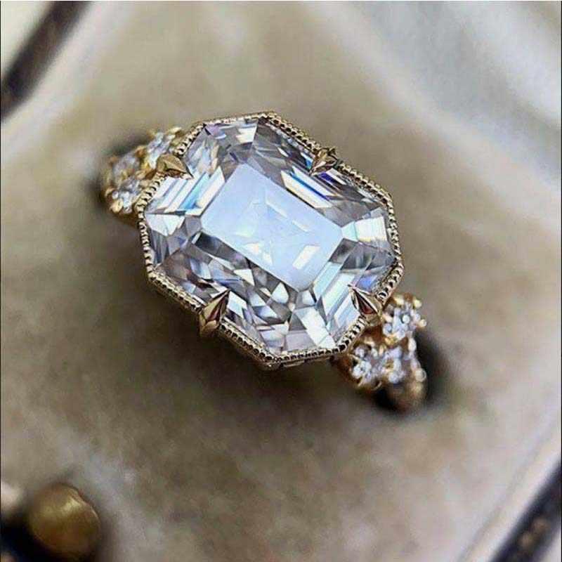 AAA Big Zirconแหวนแหวนแต่งงานผู้หญิงคริสตัลแหวนนิ้วมือLady Girlเครื่องประดับของขวัญเพื่อนทองแดงBagueหญิง