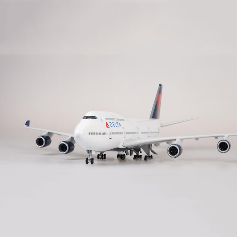 47cm Airplane 1/150 Scale Boeing B747 Airline Aircraft DELTA  Model W Light&Wheel Diecast Plastic Resin Plane For Collection Toy