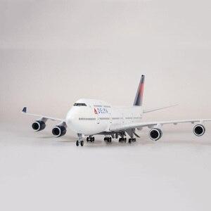 47cm samolot 1/150 skala Boeing B747 samolot samolot DELTA Model W światło i koło Diecast żywica z tworzywa sztucznego samolot do kolekcji zabawki