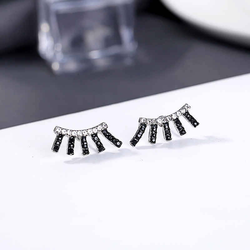 Fashion New Arrival Simple Desing Stud Earring Handmade Korean Cute Crystal Earring For Women Handmade Appointment Gift Jewelry
