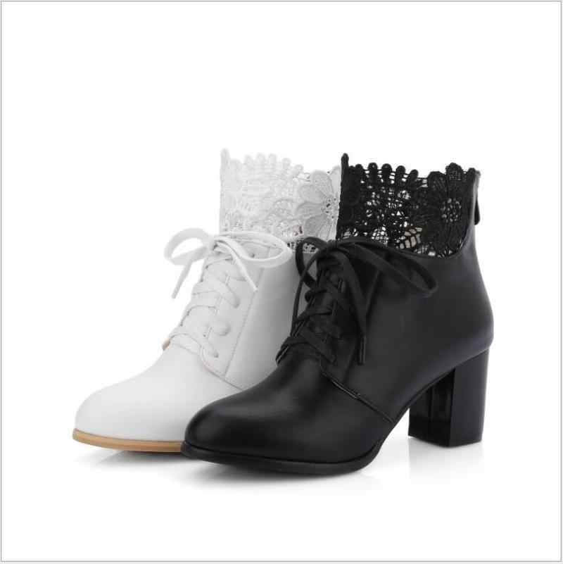 Nieuwe vrouwen Enkellaars Chic Lace Frenulum Vrouwelijke Dikke Hak Martin Laarzen Wit Vrouwen Laarzen Dames Zoete Winter Schoenen plus Size