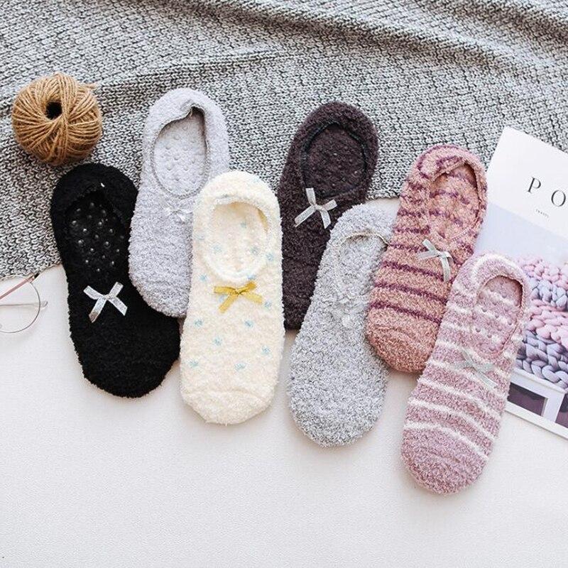 Теплые толстые носки из кораллового флиса, женские силиконовые Нескользящие носки-лодочки, зимние Утепленные бархатные короткие носки для ...