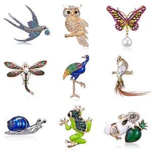 Owl Butterfly Dragonfly Frog Peacock Bird Brooch Collar Pins Corsage Animal Badge Jewelry Women Men's Brooch Clothes Accessories