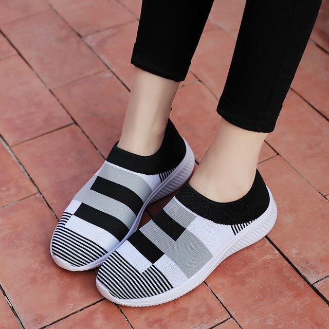 Женские трикотажные кроссовки на плоской подошве без застежки 5