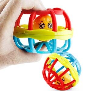 Image 5 - Caoutchouc souple Juguetes Bebe dessin animé abeille main frapper hochet haltère début jouet éducatif pour enfant main cloche bébé jouets 0 12 mois
