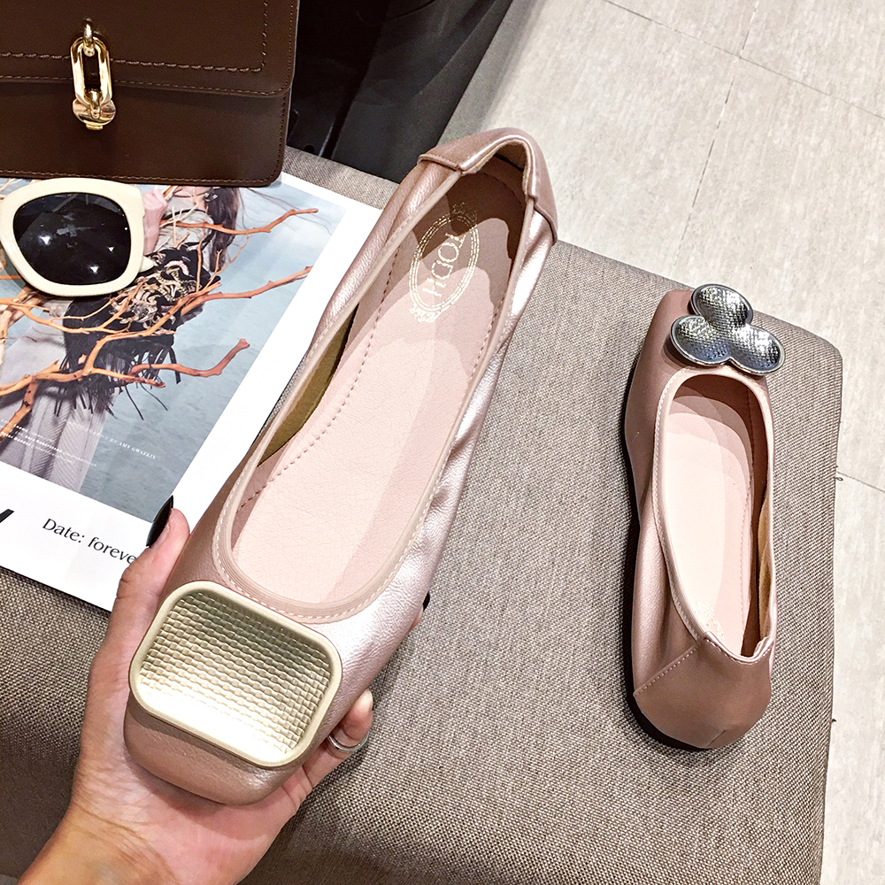 Zapatillas de Ballet femeninas FamtiYaa 2020 nuevo plano poco profundo calzado de mujer con hebillas Mujer ¡Novedad de 2019! Zapatillas de playa a la moda para mujer, sandalias gruesas con lazo tipo cruz, zapatillas planas de viaje al aire libre con grano de leopardo