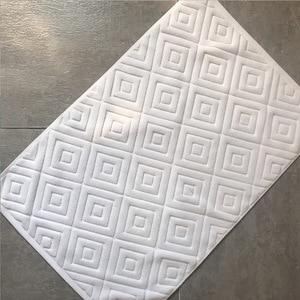 Image 2 - Comfortable Plaid Bath Mat Luxury Hotel Home Towel Cotton Thick Slip resistant Doormat Absorbent Mats 50*77cm