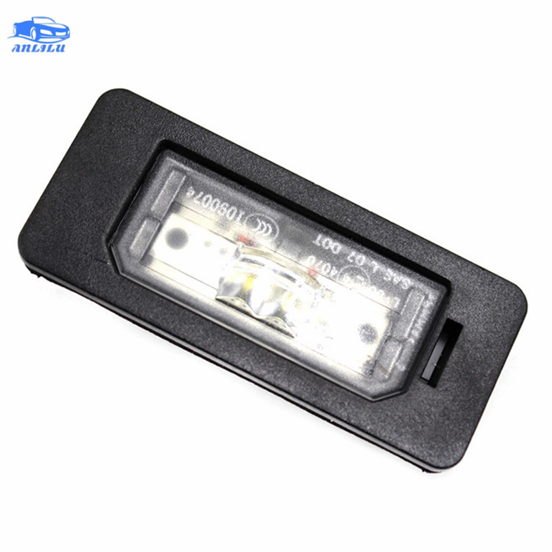 Adequado para BM-W 1 2 3 4 5 série X1 X3 X5 X6 E88 E82 E90 E91 F10 F22 F87 f30 F33 F83 LED license plate luz LH RH = 63267193293