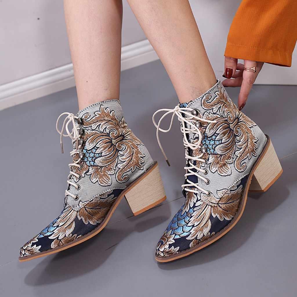 Yeni Kadın Botları Retro Kadınlar Kare Topuklu Bez Nakış Çizmeler Dantel-up Çizmeler Sivri Burun Ayakkabı Moda Bayan Botları ayakkabı