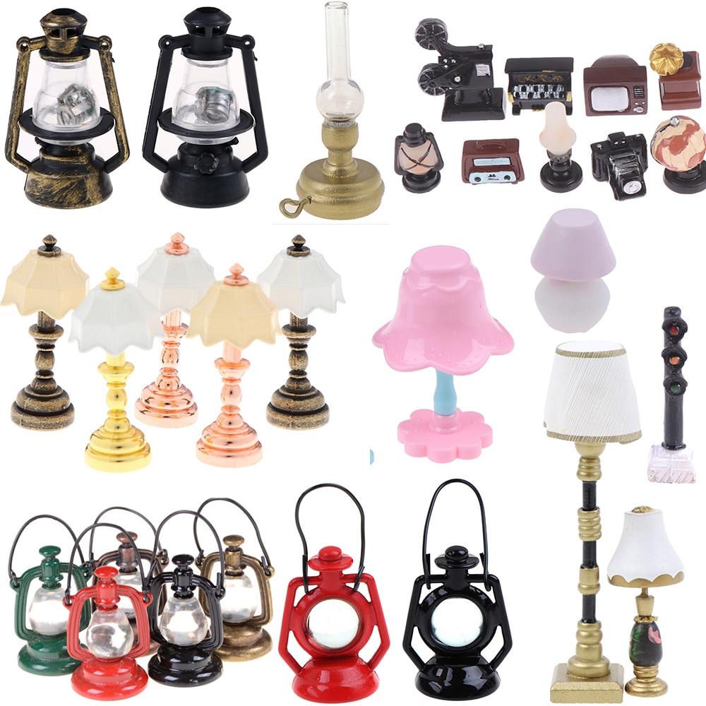 1PCS 1:12 Miniature Table Candlestick Retro Kerosene Lamp Doll House Accessories Dollhouse Furniture Toys Lamp Decor