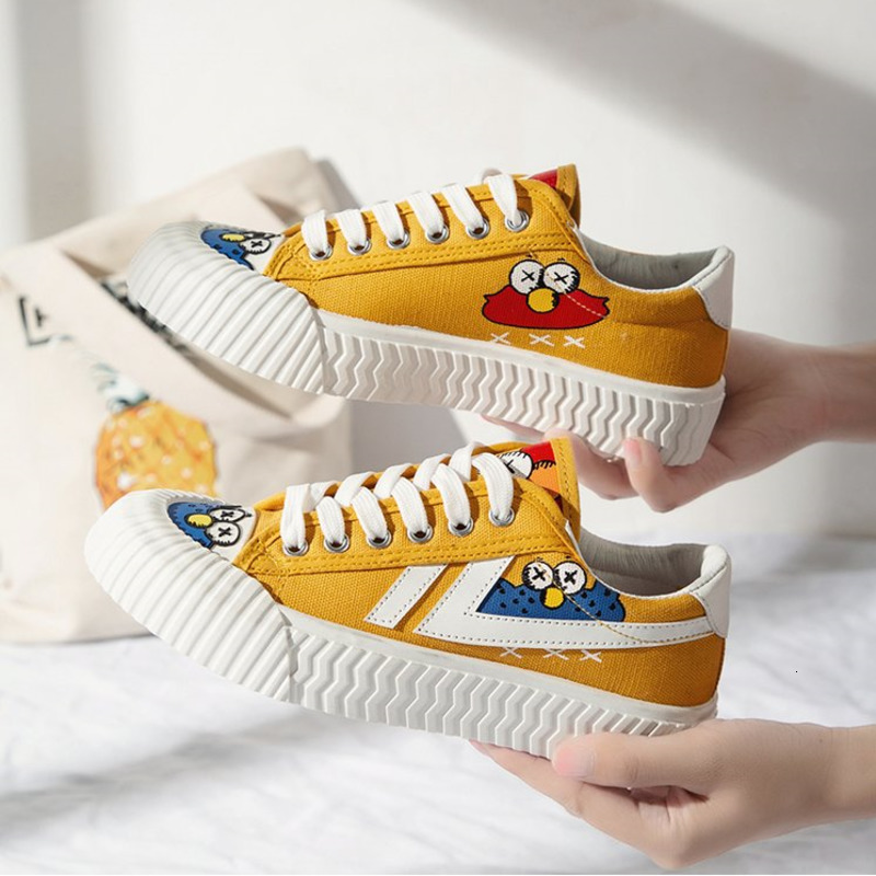 Women Casual Shoes INS Fashion New Female Yellow Cartoon Animation Vulcanized Sneakers Lace Up Canvas Shoes Woman Dropshipping