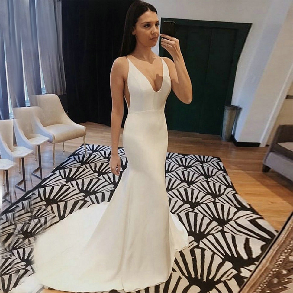 New 2019 Mermaid Wedding Dress Spandex Sleeveless Sexy Deep V Neck Beach Bride Dresses Train Elegant Wedding Boho Bridal Gowns
