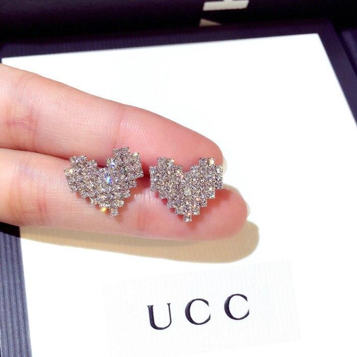 Купить женские серьги гвоздики из серебра 2019 пробы с цирконом