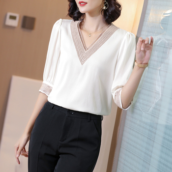 Korean Heavy Silk Women Blouse Shirt Women Embroidered Blouse Tops Plus Size White V-neck Silk Blouse Blusas Mujer De Moda 2020 недорого