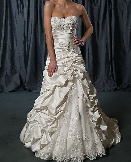 2016 Hot Sale Strapless Long Satin Wedding Dress Bridal Gown New Arrival Bridal Dress Wedding Gowns Sleeveless