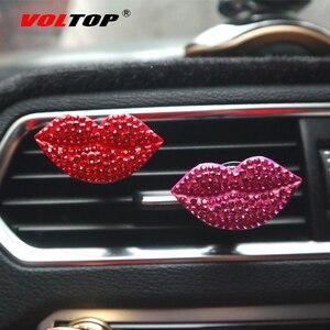 Image 2 - Clip de parfum de voiture rouge à lèvres ornements de voiture sortie dair tableau de bord décoration accessoires de voiture pendentif suspendu intérieur