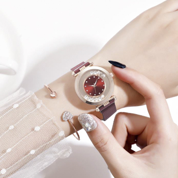 цена Luxury Rhinestone Women's Watches Fashion Ore Glass Dial Stainless Steel Alloy Quartz Watch Pearl Ladies Wrist Watch Dress Clock онлайн в 2017 году