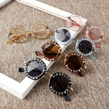¡Novedad de 2020! Gafas de sol de moda para niños y niñas, gafas de sol con letras sólidas, 12 colores, accesorios de protección al aire libre para la playa