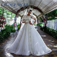 Vestido De Noiva African Long Sleeves Wedding Dress for Women Boat Neck Lace Appliques Modest Glitter Custom Made Bridal Gowns
