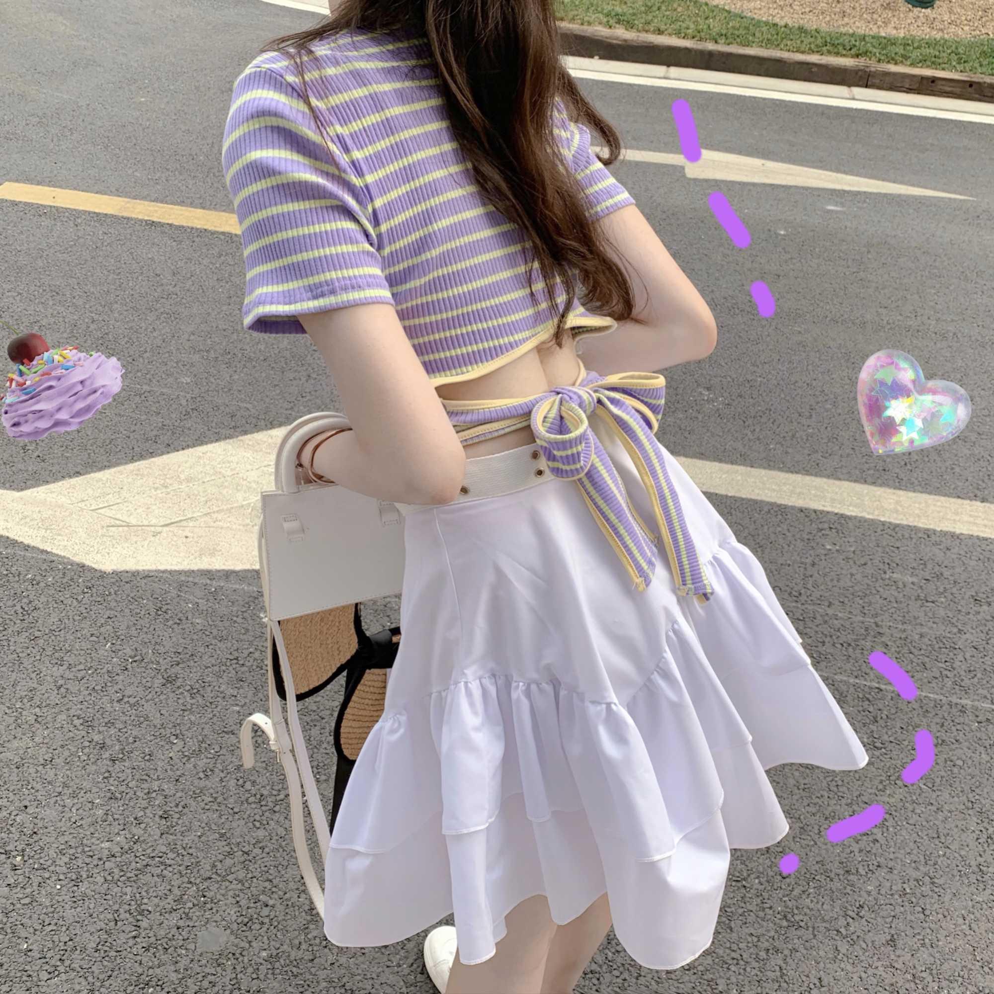Женский костюм из двух предметов, короткий топ в полоску на шнуровке и юбка с высокой талией, лето 2020