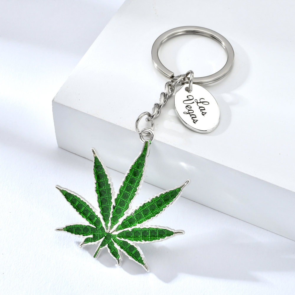Vicney Cannabi Leaf Key Chain Light Green Plant Keychain For Women Man Zinc Alloy Leaf Keyring For Friends