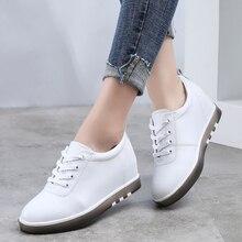 Ukryj obcas prawdziwej skóry buty kobiety moda Sneakers nowa koronkowa wysokość zwiększenie obuwie białe trampki XU161