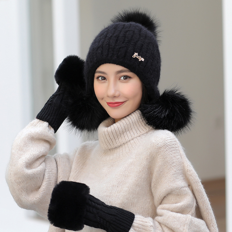 2019 New Knitted Winter Hat Scarf Gloves Set Women Thick Warm Touch Screen Glove Beanies Soft Scarf Female For Girls Gift