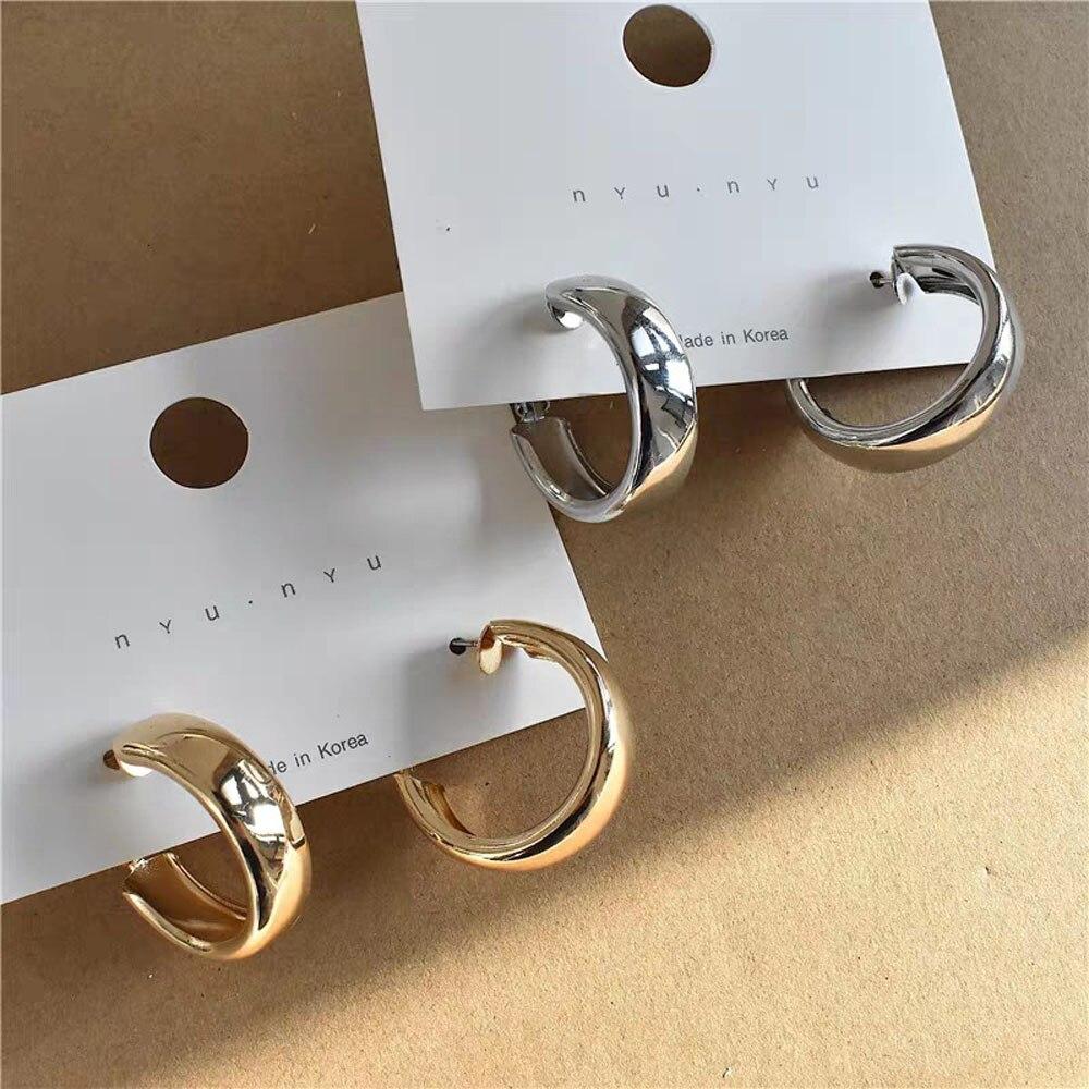 Серьга в стиле «минимализм» золотые металлические большие круглые геометрические круглые большие серьги-кольца для женщин и девушек в сти...