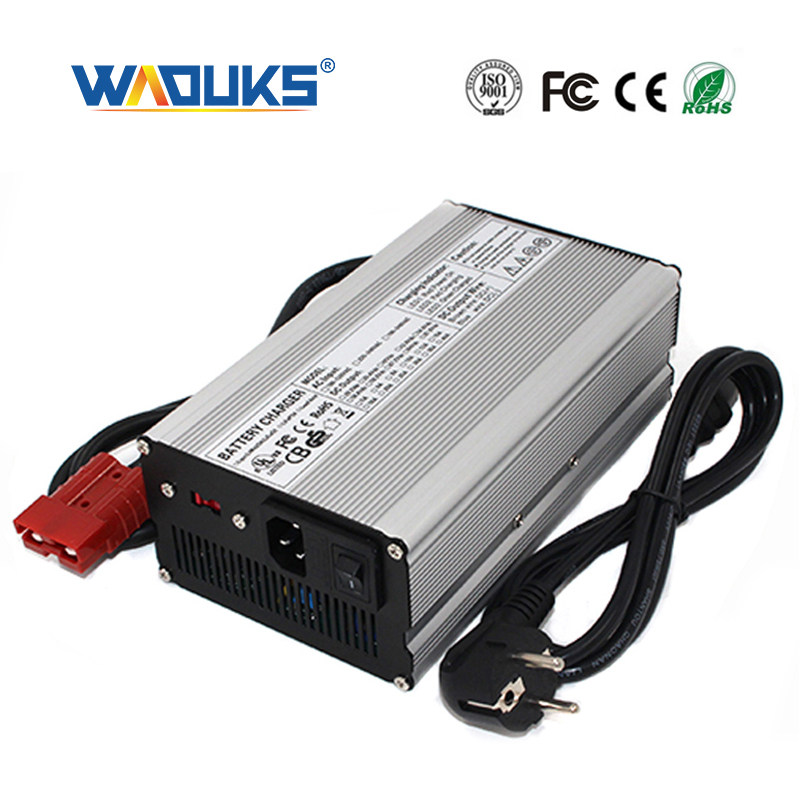 54.6V 10A Charger 13S 48V Li Ion Batterij Smart Charger High Power Met Ventilator Aluminium Case FreeShipping-in Opladers van Consumentenelektronica op  Groep 1