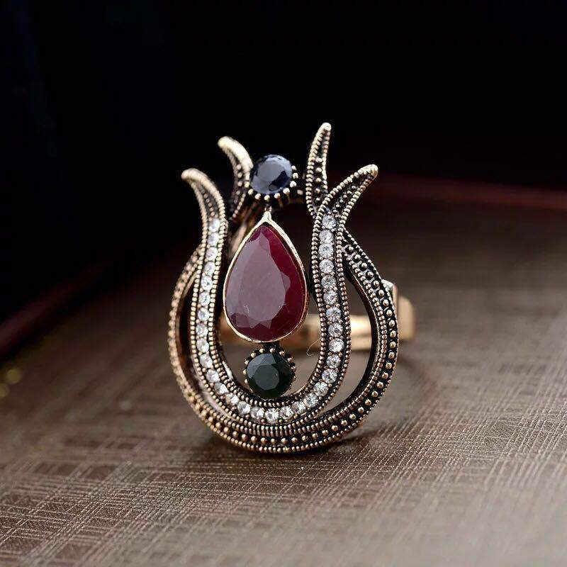 Bohemian Bunga Zircon Cincin Besar untuk Wanita Cincin Pertunangan Wanita Wanita Pernikahan Cincin Wanita Merah Zirkon Cincin Vintage Wanita Hadiah