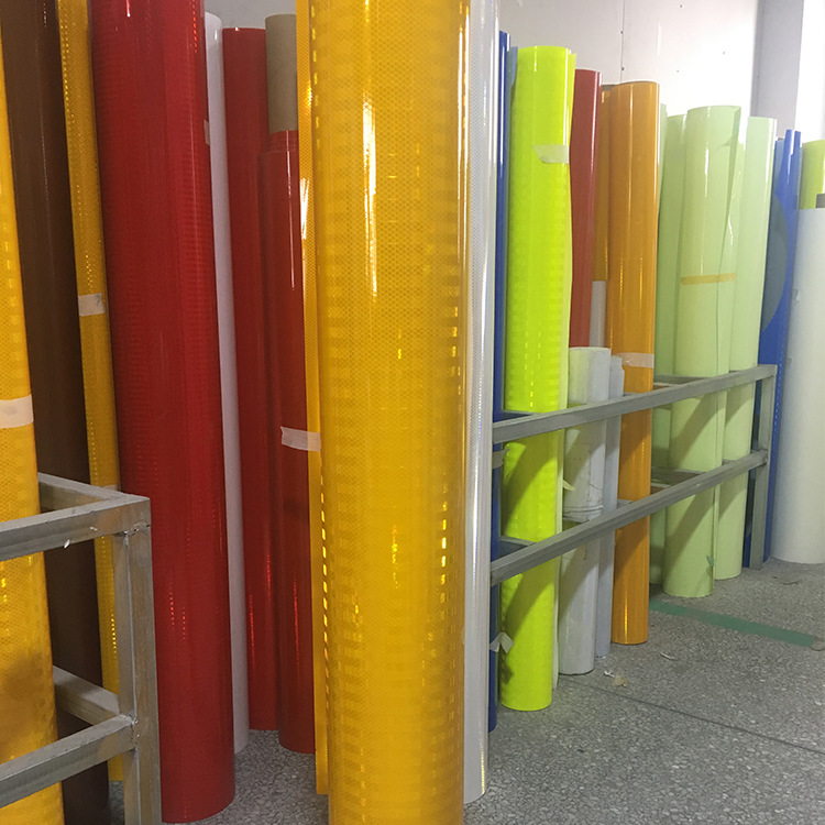 Ultra-strength Grade Reflective Film National Standard IV Class Reflective Film Processing High-Speed Traffic Signs Reflective F