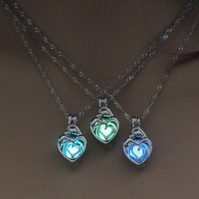 3 Colors Glowing in the Dark Heart Pendant Necklace For Women Hollow Luminous Stone Necklace Christmas Pendant Jewelry Wholesale