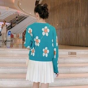 Image 5 - Frauen Koreanischen Stil Floral Druck V ausschnitt Gestrickte Strickjacken Weibliche Casual Übergroßen Alle spiel Pullover One Size