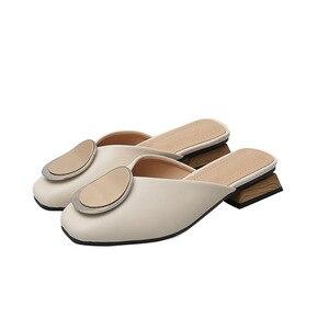 Image 5 - Echt Leer Muilezels Vrouwen Schoenen Metalen Decoratie Vierkante Teen Slippers Casual Chunky Hakken Slides Slip op Loafers Big Size Mule