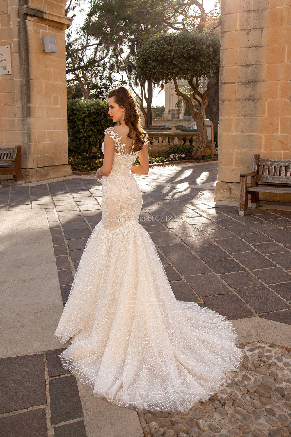 Image 3 - Mermaid Wedding Dresses Sweetheart Lace Appliques Bridal Gown Button Illusion Sleeveless Vestido De Noiva Plus Size Court Train-in Wedding Dresses from Weddings & Events