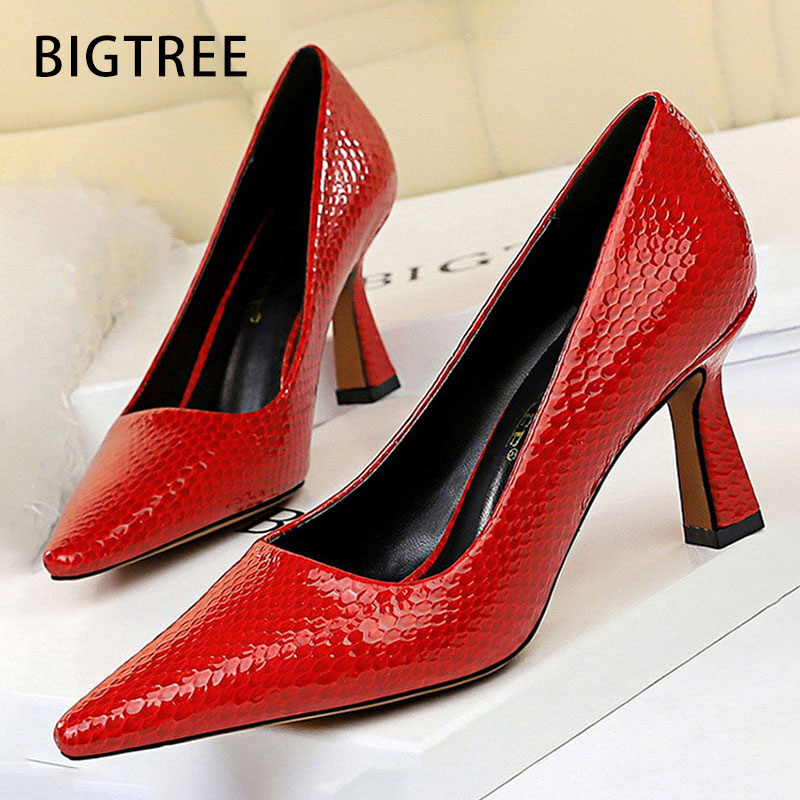 Bigtree <font><b>Shoes</b></font> <font><b>Sexy</b></font> Kitten Heels Snake Women Pumps Spring Women <font><b>Shoes</b></font> High Heels Pointed Party <font><b>Shoes</b></font> Red Lady <font><b>Shoes</b></font> Plus Size 43 image